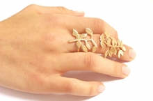 Shiny Leaves Ring